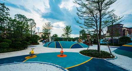 相关文章: 某屋顶儿童游乐场设计案例鉴赏  此次设计中,设计师们希望图片